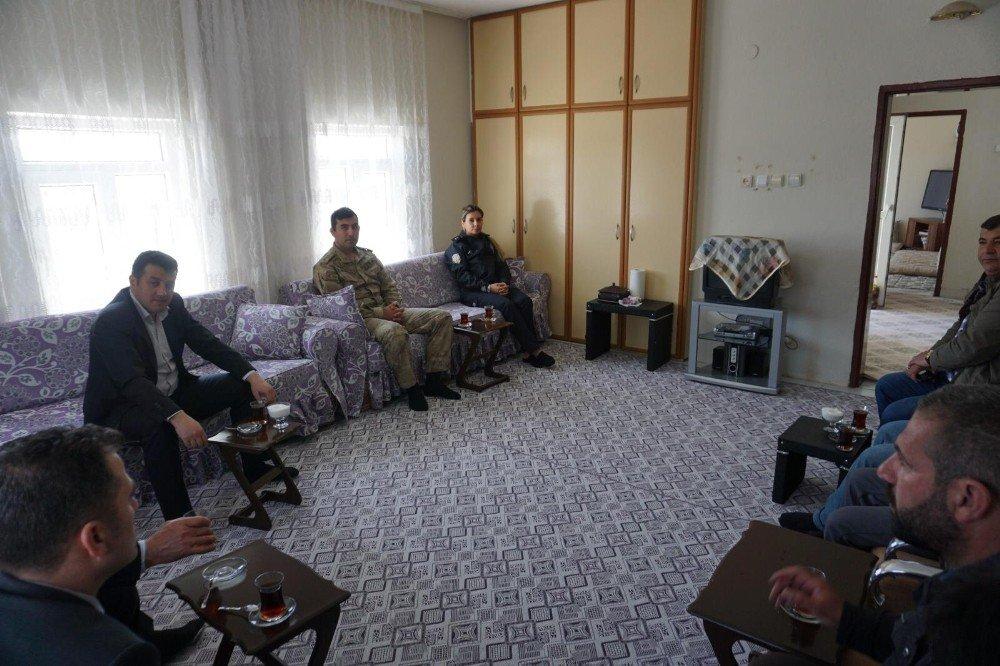 Gercüş Kaymakamı Mevlüt Şekerci'den Şehit Ailesine Ziyaret