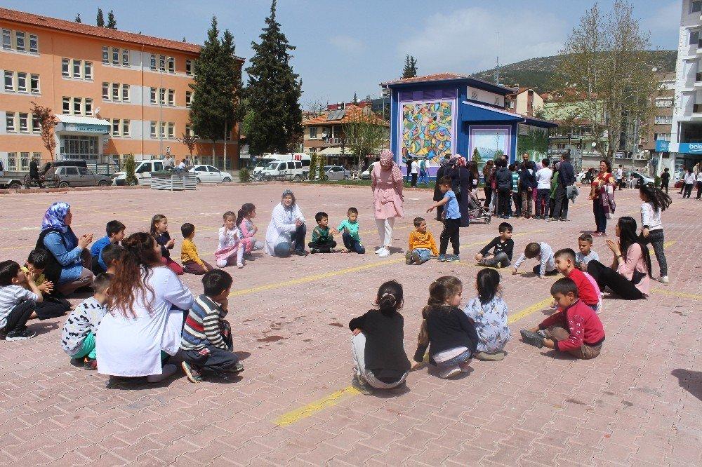 Bucak'ta Çocuk Oyunları Şenliği