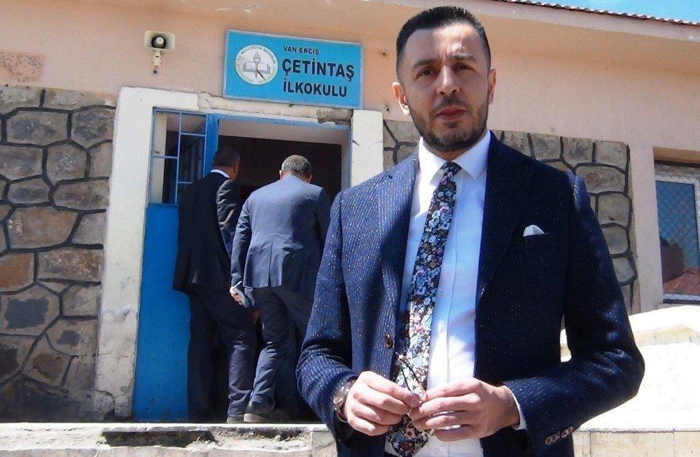 Başkent Ticaret Liderlerinden Öğrencilere Giyim Malzemesi