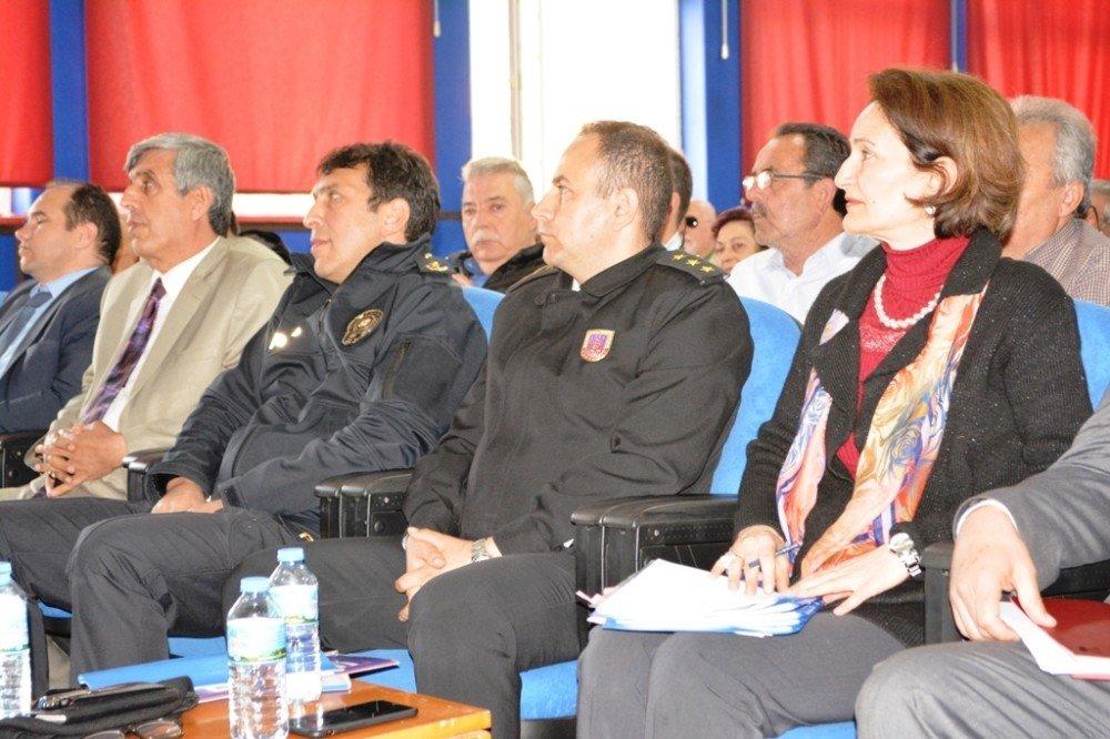 Ayvalık'ta Kaymakam Görgülüarslan Öncülüğünde Halk Günü Ve Muhtarlar Toplantısı Yapıldı