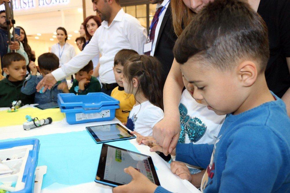 Minik Çocukların Stem Keşif Çalışmaları Sergilendi