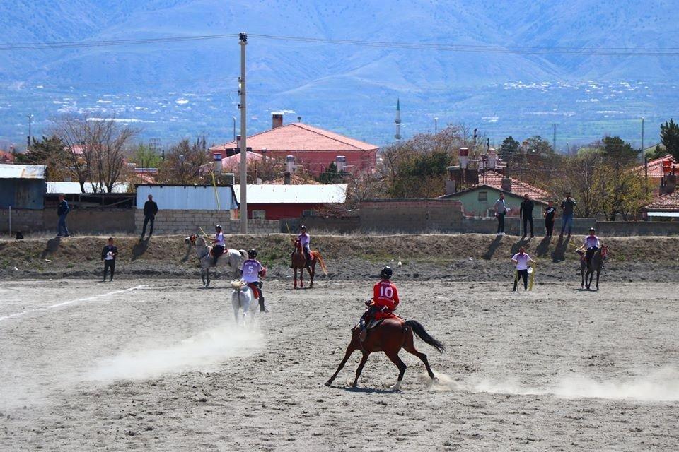 Erzincan'da Cirit Heyecanı Yaşandı