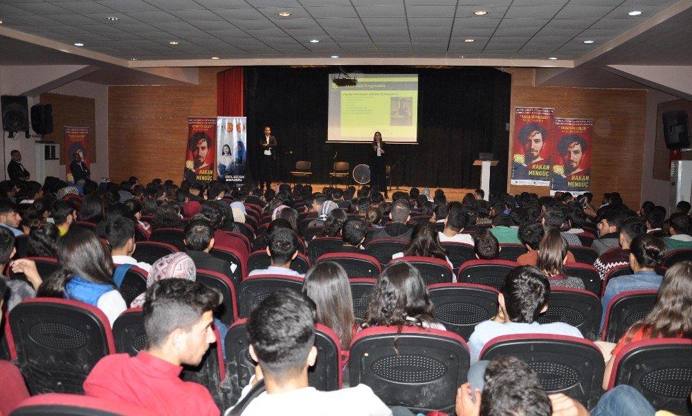 Girne Amerikan Üniversitesi Kızıltepe'de Öğrencilerle Buluştu
