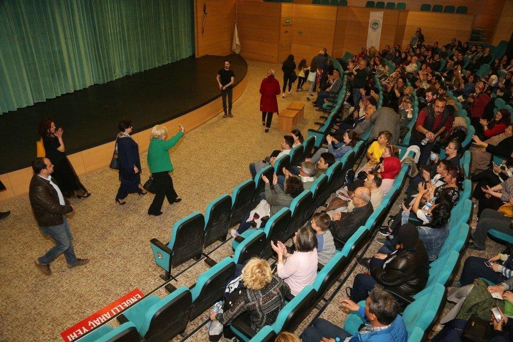 Ünlü Sanatçı Göksel Kortay'dan Odunpazarı Belediye Tiyatrosu'na Övgü;