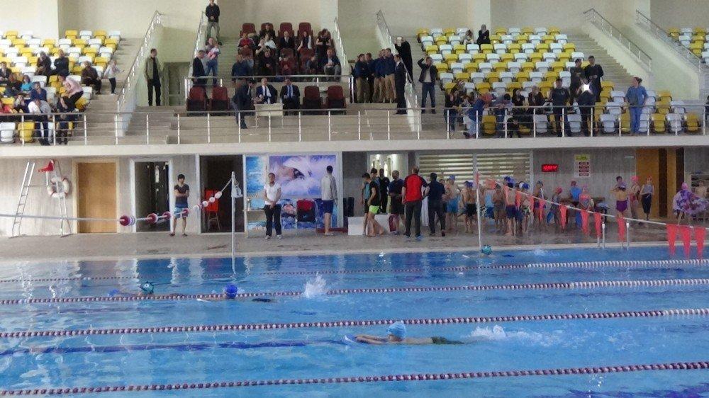 Muş'ta Halk Koşusu Ve Yüzme Yarışması Yapıldı