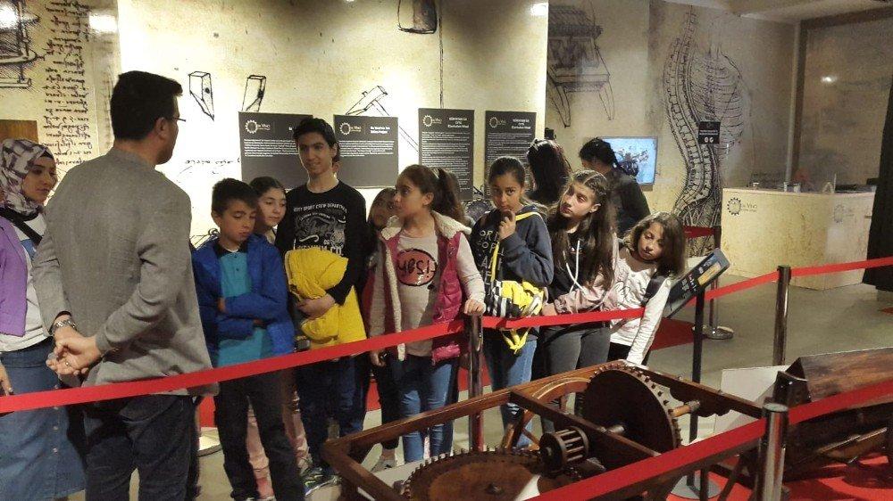 'Çocuk Gibi Bak' Projesi Kapsamında Leonardo Da Vinci İle Buluştular