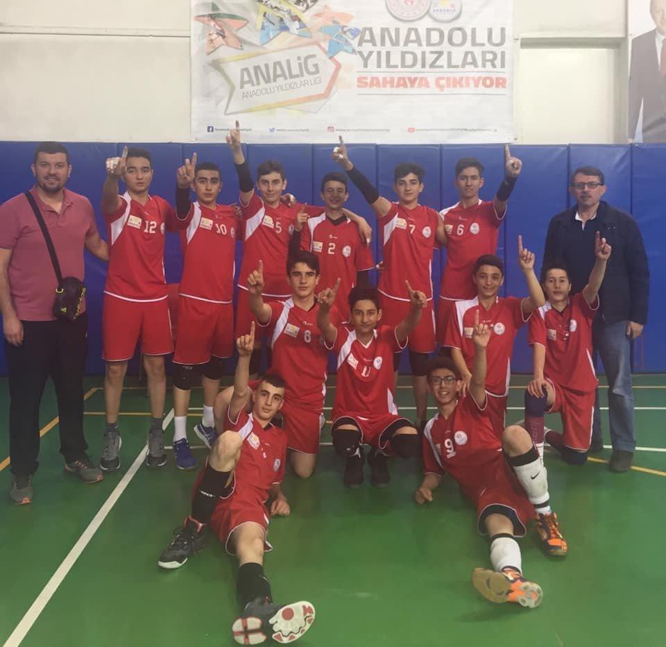 Kayseri Voleybol Analig Takımı İlk 4 Takım Arasına Kaldı