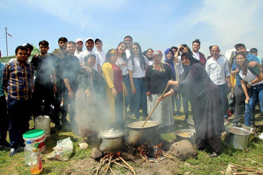 Üniversite Öğrencileri Oylum Lebeniye Gününe Katıldı