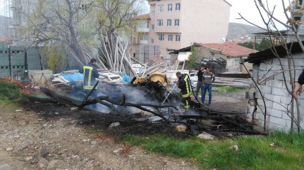 Yunak'ta İşyerinde Yangın