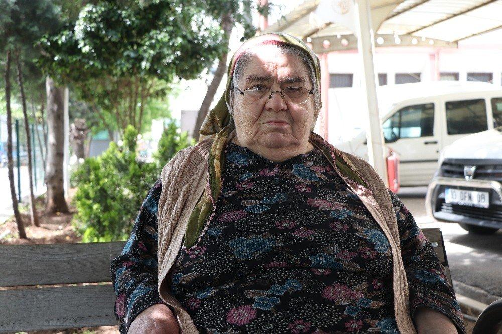 Sahte Emniyet Amirine Parasını Kaptıran Yaşlı Kadın: