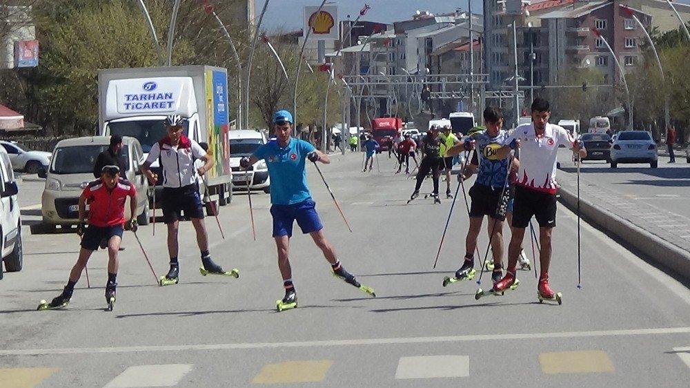 Tekerlekli Kayak Koşusu İçin Hayat Durdu