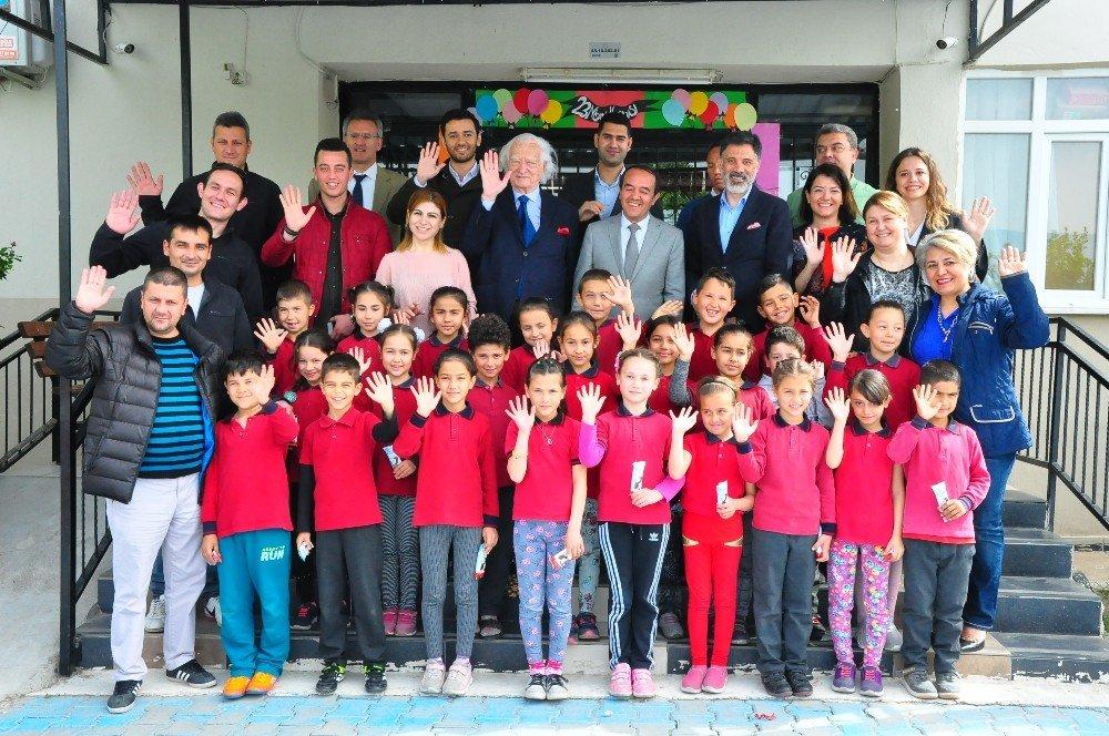 Ferrero Bir Okulda Daha Çocukları Mutlu Etti