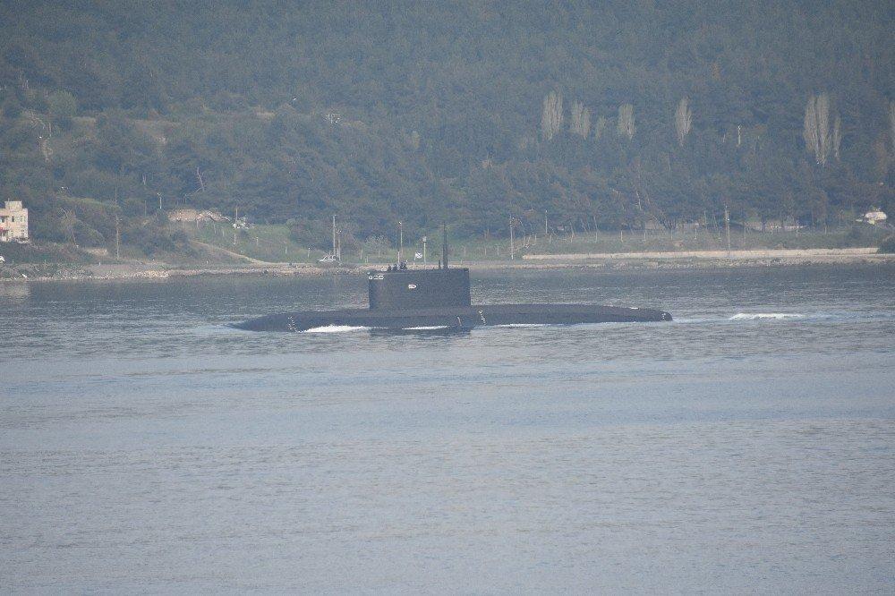 Rus Denizaltısı Çanakkale Boğazı'ndan Geçti