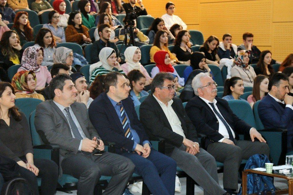 Saü'de '8. Tüçeb Ulusal Çeviribilim Öğrenci Çalıştayı' Gerçekleşti