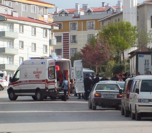 Sinop'ta 5 Yaşındaki Çocuk Asansöre Sıkıştı