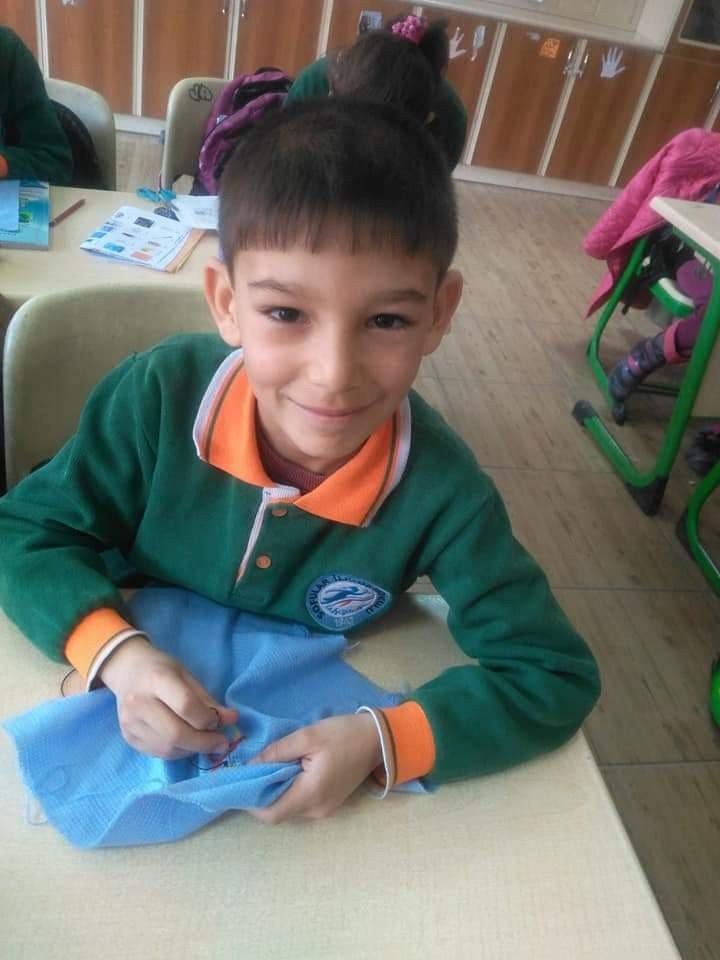Mehmet Dumlupınar, 'Baba Sana Sarılamıyorum' Yazısıyla Türkiye İkincisi Oldu
