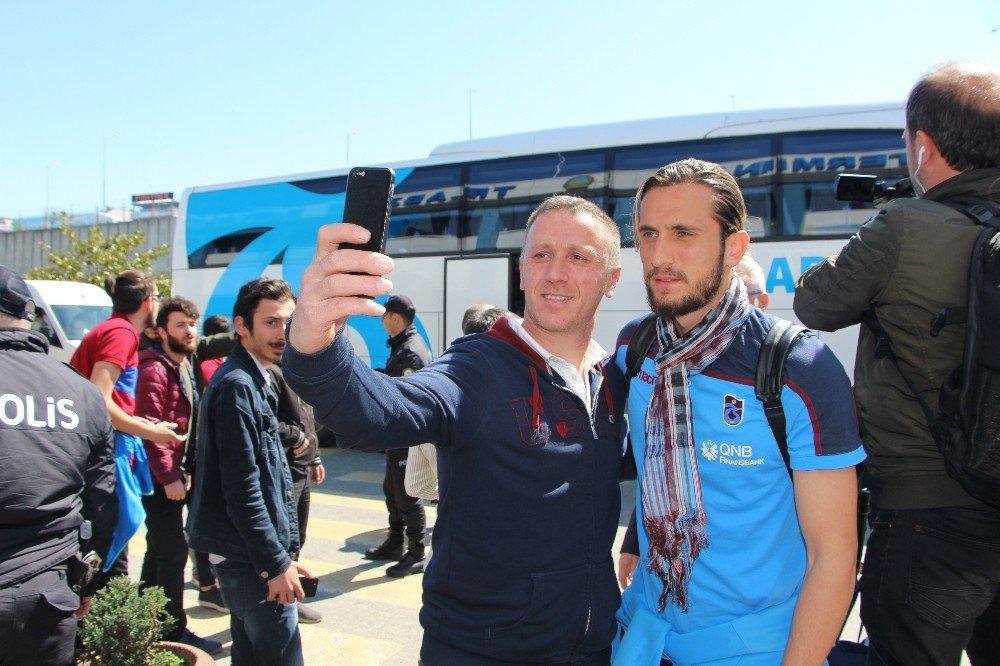 Trabzonspor, Fenerbahçe Maçı İçin İstanbul'a Gitti