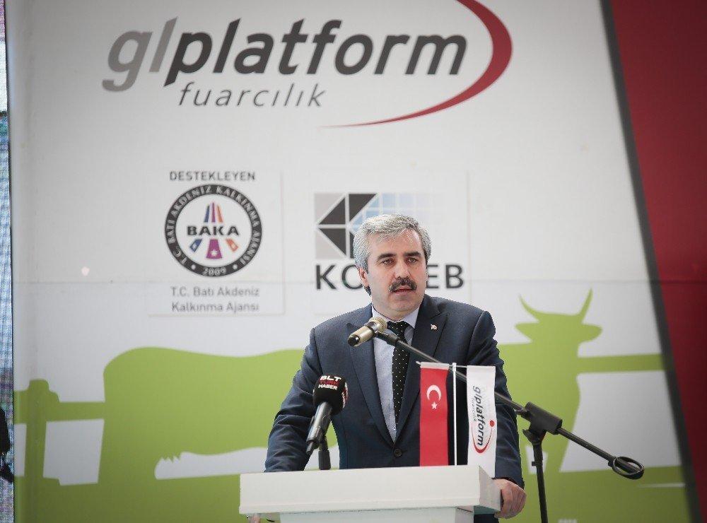 Burdur'da Açılan Fuarda, Yenilikçi Tarım Makinaları Sergilendi