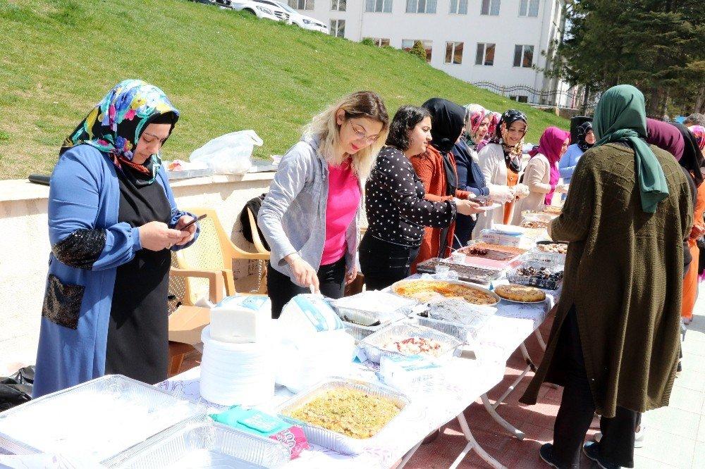 Yozgat'ta Engelli Öğrencilerin Ürünleri Sergilendi