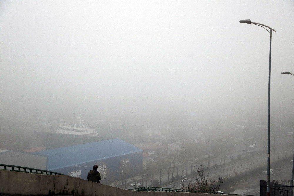 Zonguldak'ta Sis Etkili Oldu, Görüş Mesafesi 50 Metreye Düştü