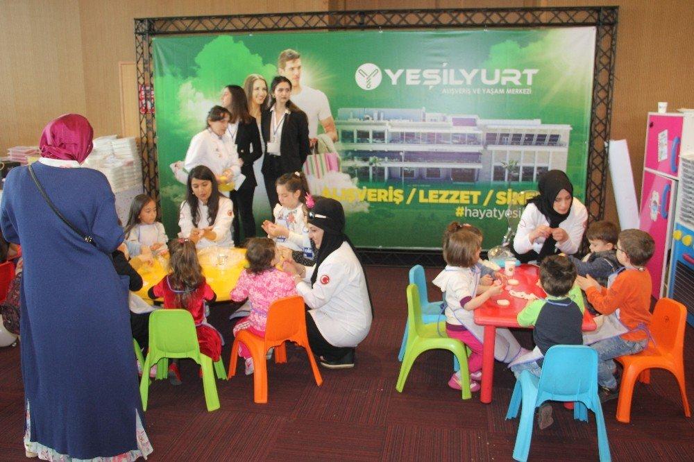 Minik Çocuklar Avm Standında Hünerlerini Sergiledi