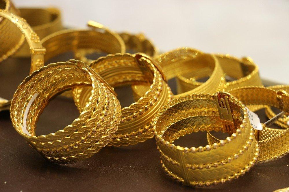 Düğünlerdeki 'Sahte Altın' Oyunu