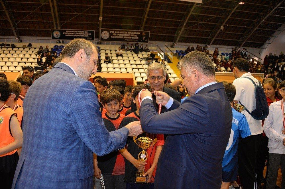 Balıkesir'de Spor Ödülleri Sahiplerini Buldu