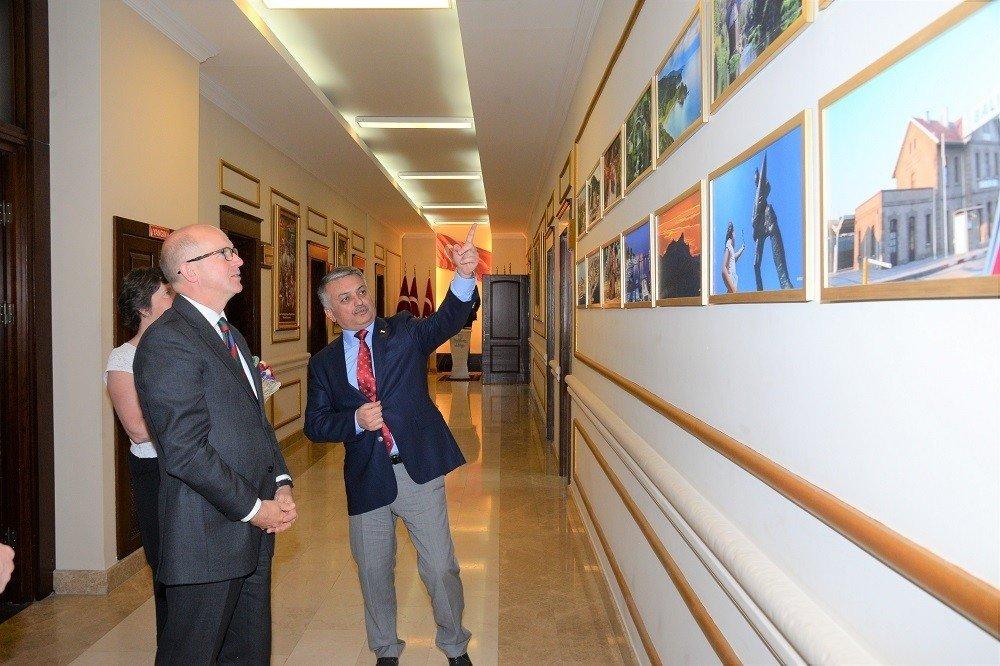Birleşik Krallık Büyükelçisi Sir Chilcott, Vali Yazıcı'yı Ziyaret Etti