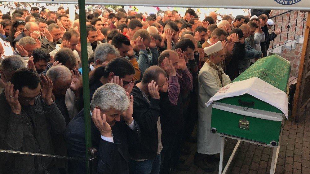 Patlamada Hayatını Kaybeden İş Yeri Sahibi Toprağa Verildi
