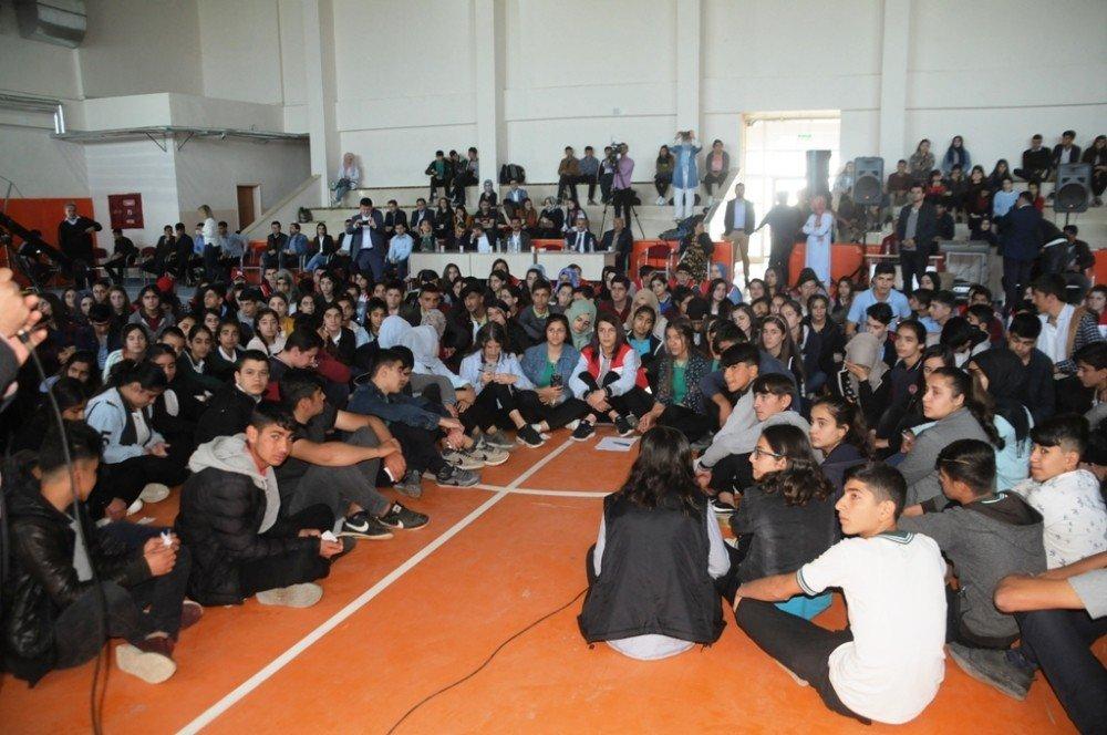 Cizre'de 'Gençlerin Projesi' Şenliği Düzenlendi