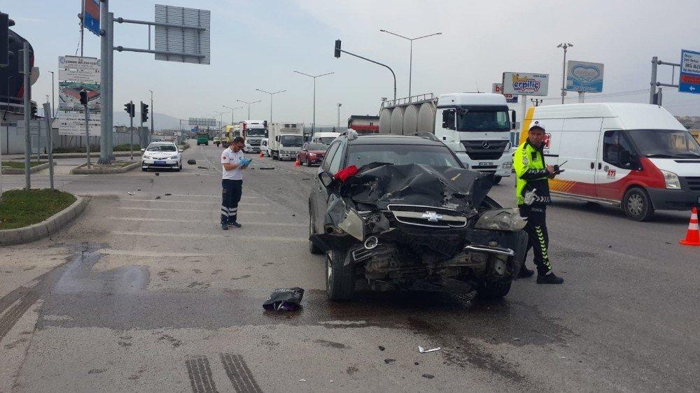 Polisten Kaçarken Kaza Yaptı: 6 Yaralı