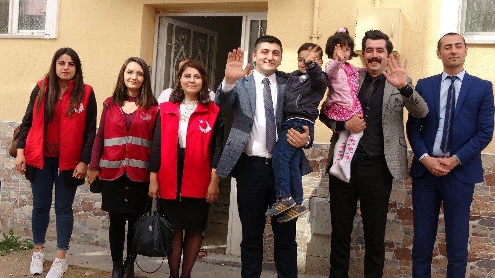 Suriyeli Göçmen Aileye 'Gönül' Ziyareti