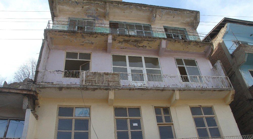 Heyelan Riski Nedeniyle 3 Bin Kişilik Mahalle Boşaltılıyor