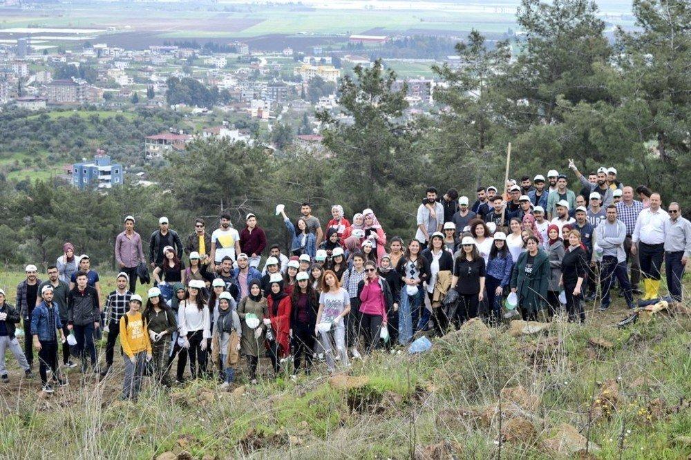 Hatay'da Kyk Öğrencileri Fidanları Toprakla Buluşturdu