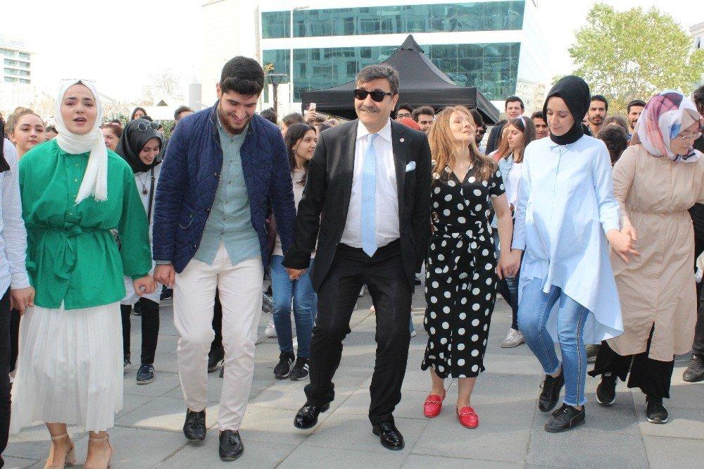 """İyyü'de """"Bahar Şenliği"""" Coşkusu"""