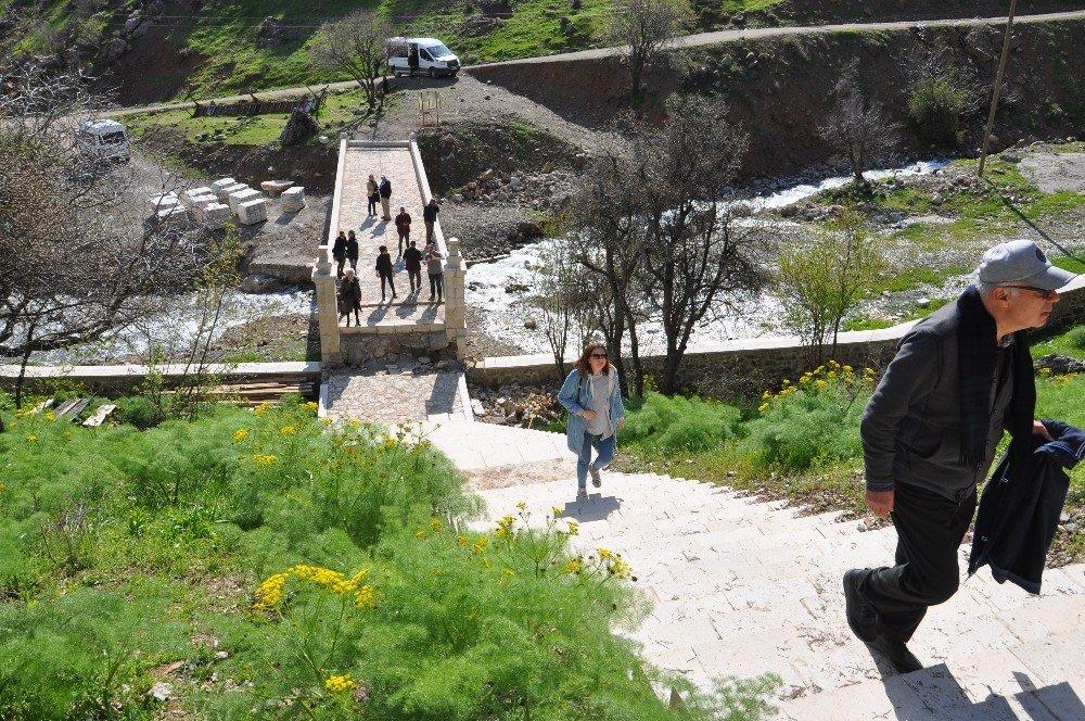 İstanbul'dan Nehri Köyüne Ziyaret