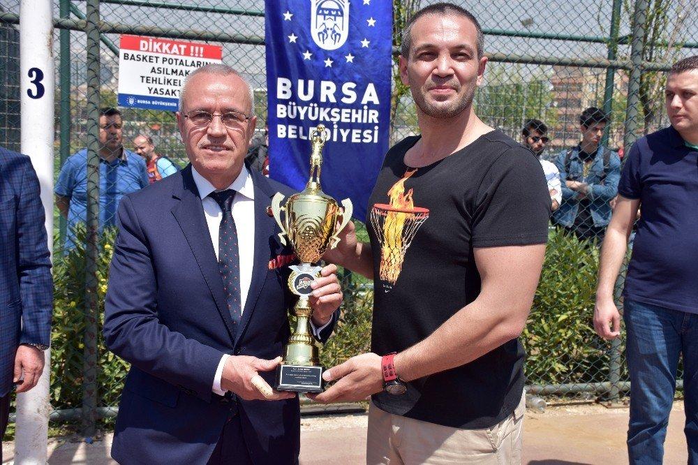 Bursa'nın En Geniş Katılımlı Sokak Basketbolu Turnuvası