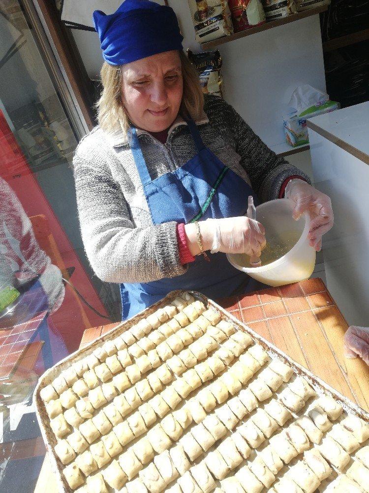 Paskalya Bayramı Öncesi Turistlerin Gözdesi Süryani Çöreği