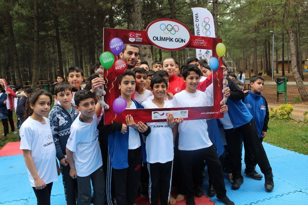Milli Sporcular, Olimpik Günde Çocuklarla Bir Araya Geldi