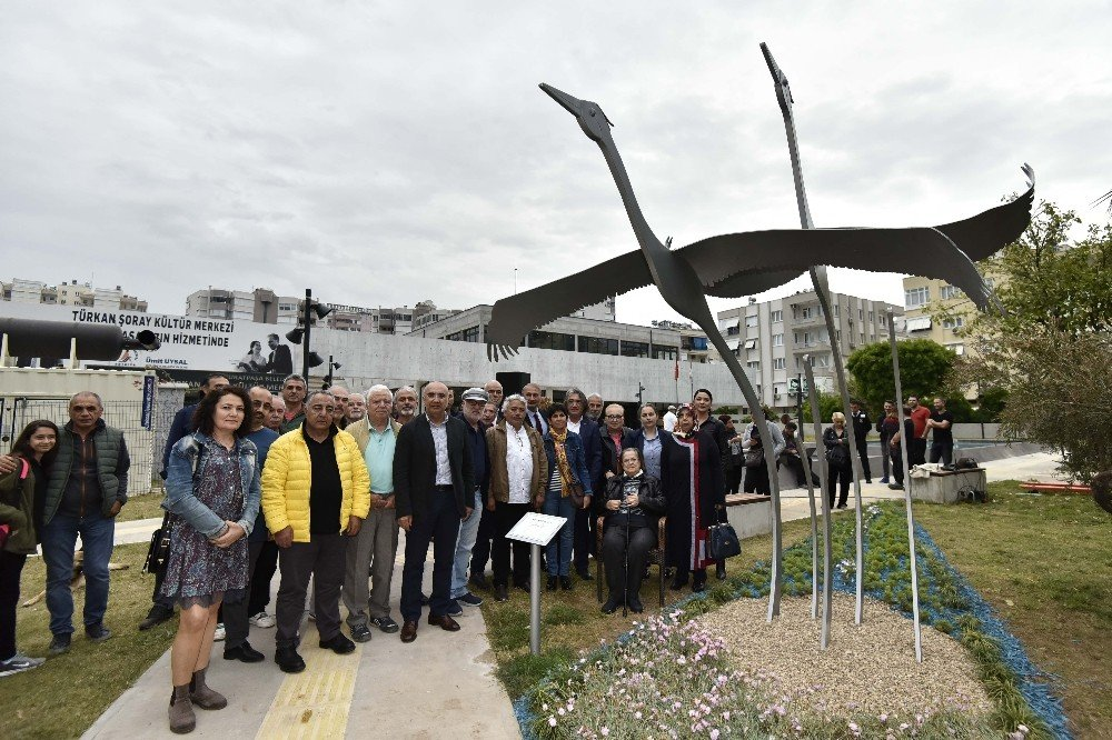 Turnalar Heykeli Türkan Şoray Kültür Merkezi Bahçesinde