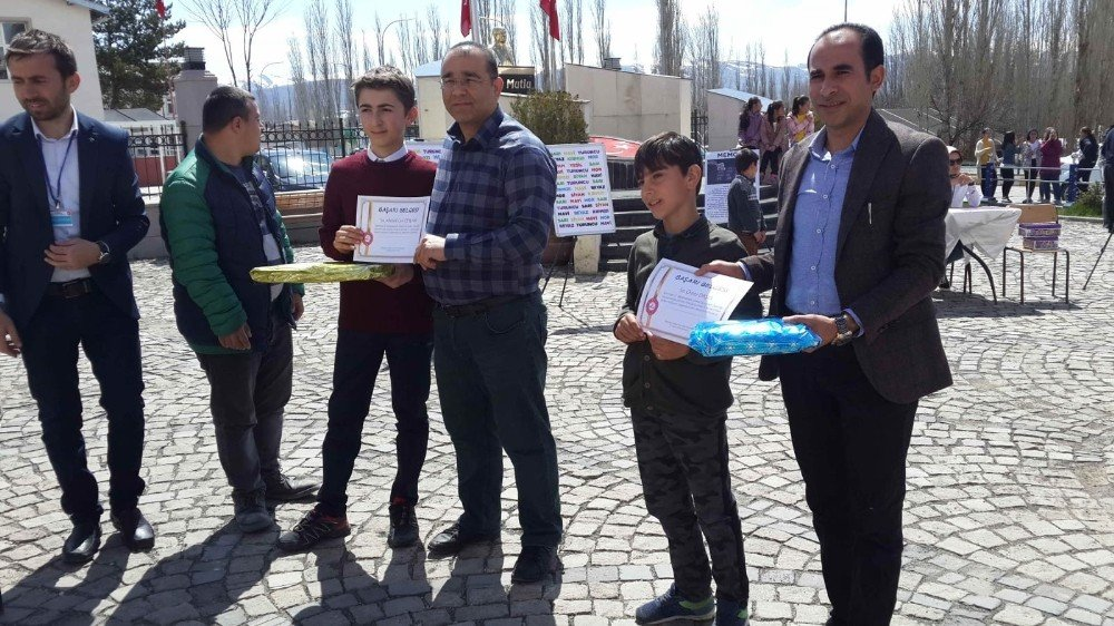 Narman'da Zeka Oyunları Şenliği Düzenlendi