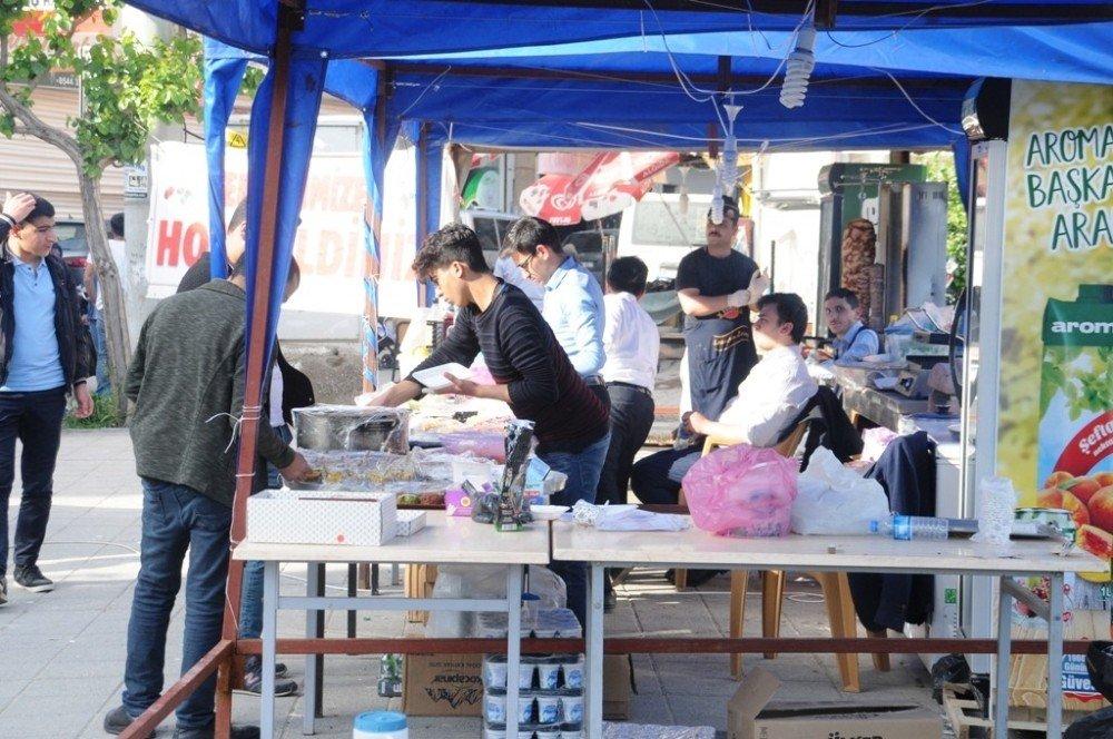 Cizre'de Kur'an Kursu Öğrencileri Yararına Kermes