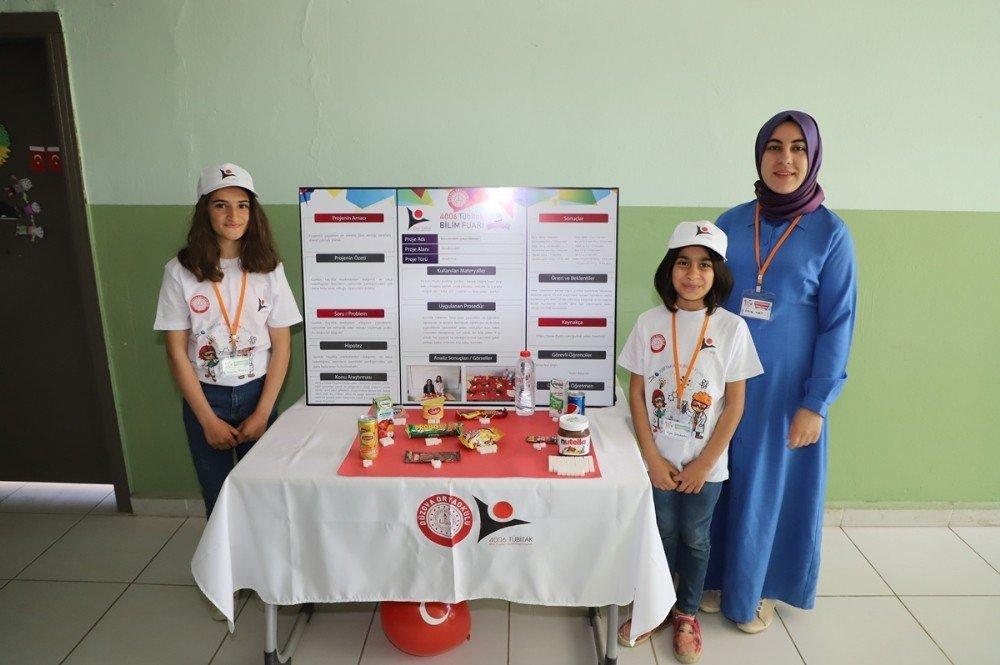 Cizre'de Düzova İlk Ve Orta Okulunda Açılan Bilim Fuarı İlgi Gördü