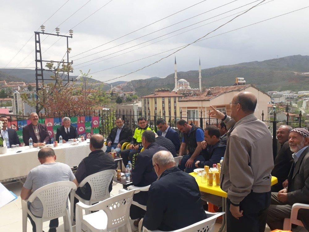 """Tokat'ta Emniyet Mahallelerde """"Huzur Toplantısı"""" Yapıyor"""