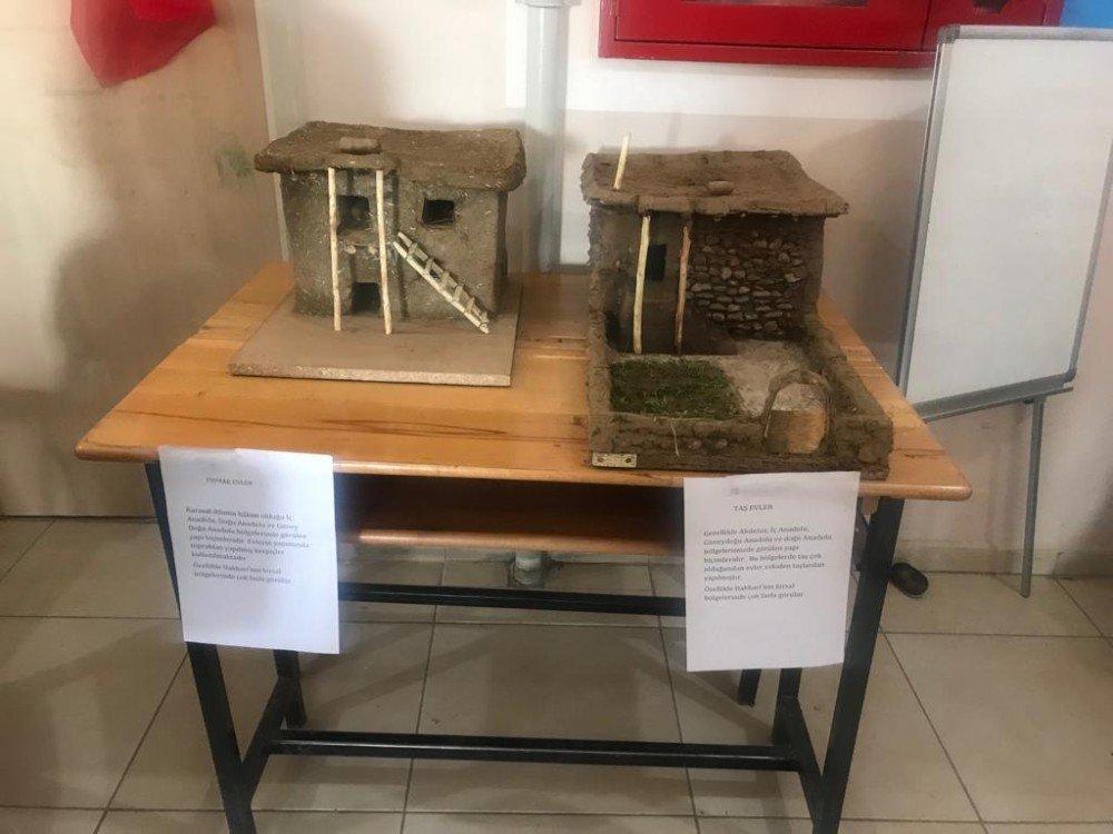 Yüksekova'da Tübitak Bilim Fuarı Gerçekleşti