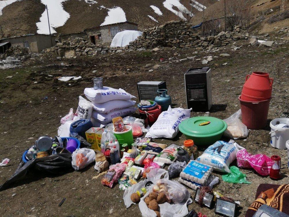 Van'da Pkk'ya Ait Depo Ve Sığınaklar İmha Edildi