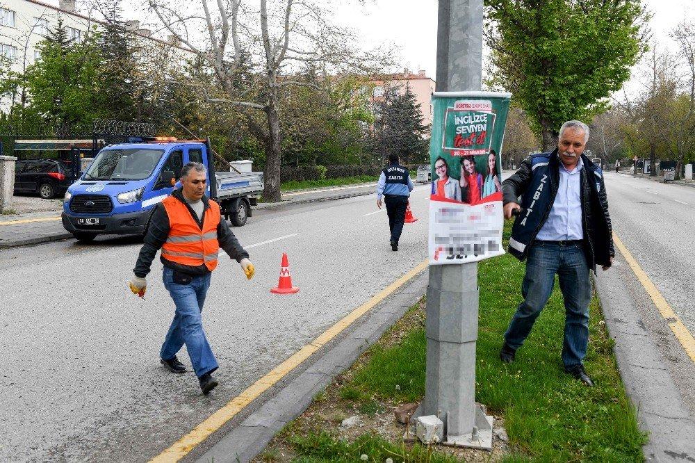 Ankara Zabıtası'ndan Afiş Temizliği