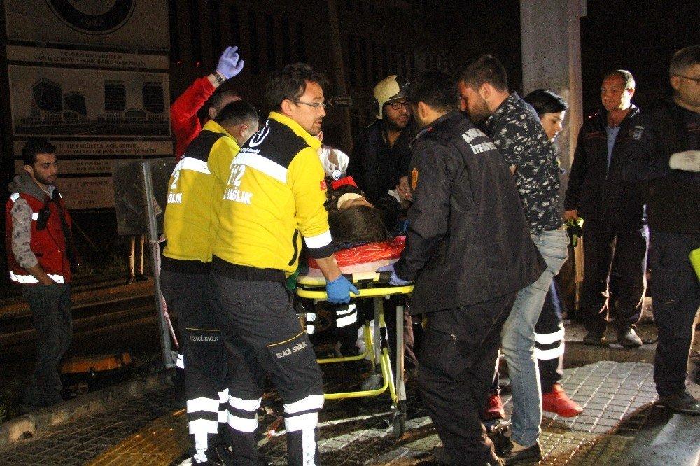 Araçta Sıkışan Kadına İki Saatlik Kurtarma Operasyonu Kurtarıldı