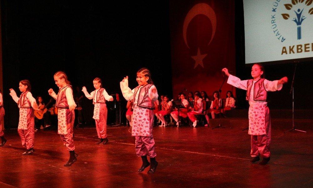 Akbem, 23 Nisan'ı Yılsonu Gösterisiyle Kutladı