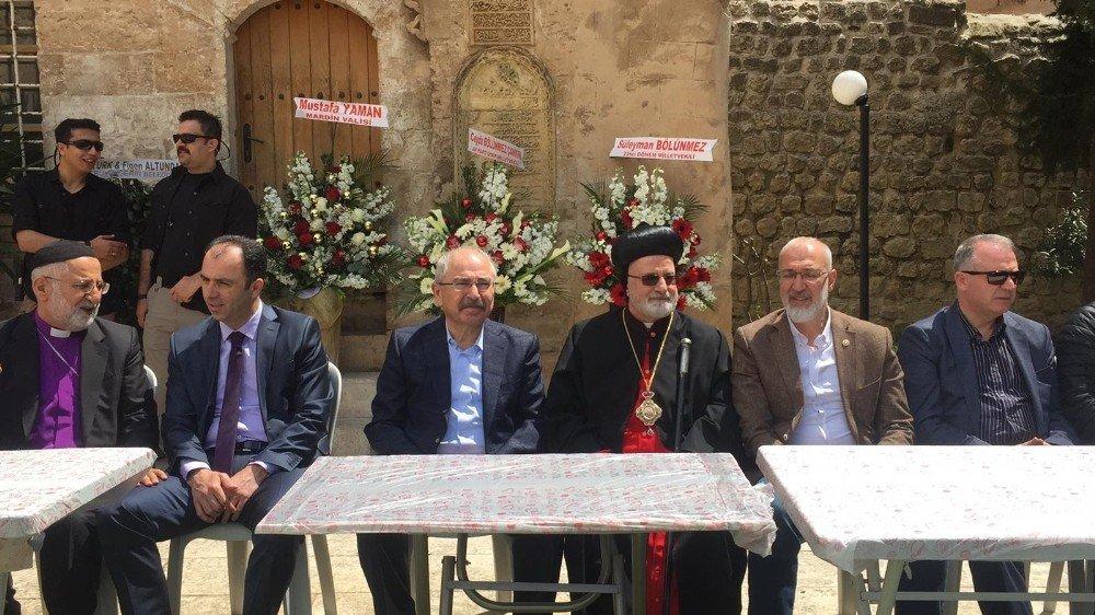Mardin'de Paskalya Kutlandı